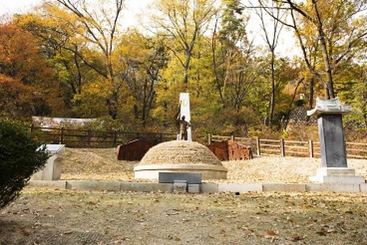 [강북마을기자단 3기] 외로운 영웅, 수유리 17위 광복군 합동묘소에 가다